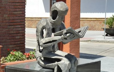 Reading Statue in Velez-Malaga