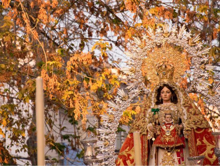 https://mivelezmalaga.com/wp-content/uploads/2016/12/Virgen-de-los-Remedios-Autumn-700x530.jpg