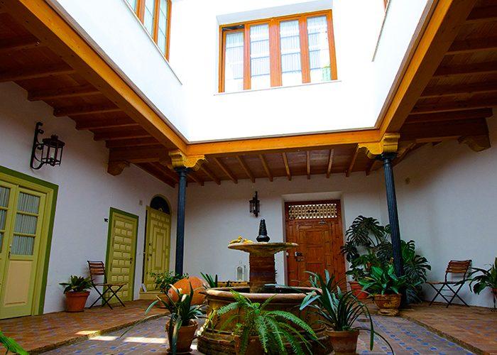 Casa de las Tilas patio interior