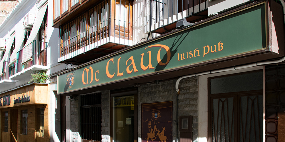 McClaud Irish Pub In Velez Malaga