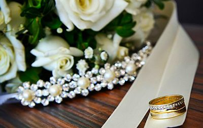 Wedding Flowers And Gold ring