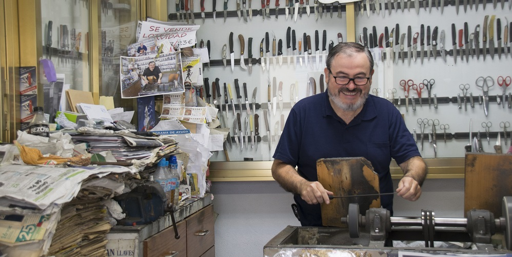 Knife Sharpener in San Francisco, Velez