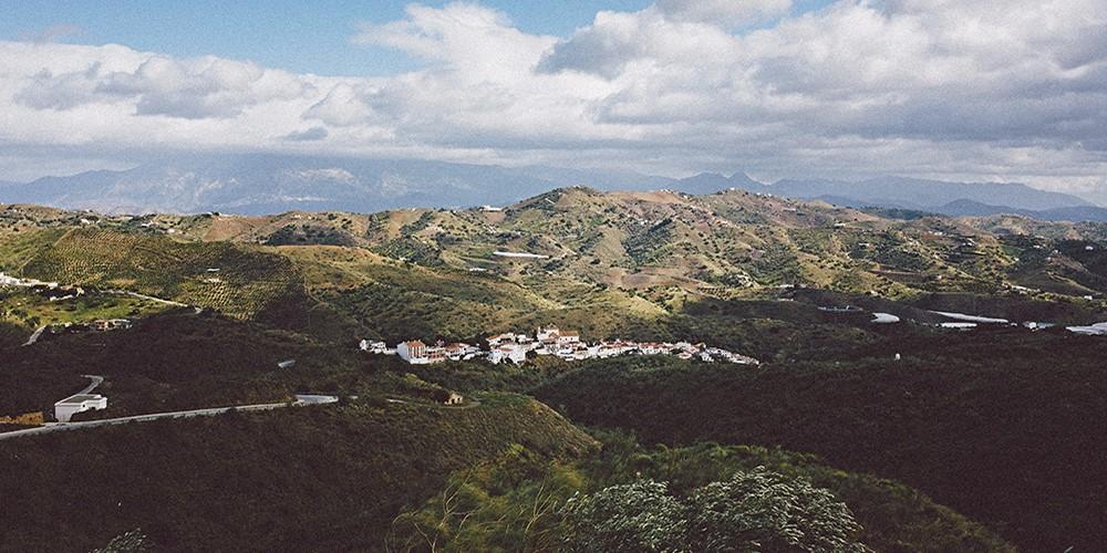 macharaviaya white village