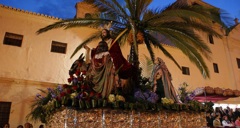 El Huerto Procession at Plaza de las Carmelitas