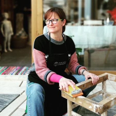 furniture restorer desvan