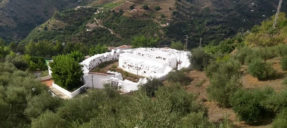 Circular Cemetery Sayalonga