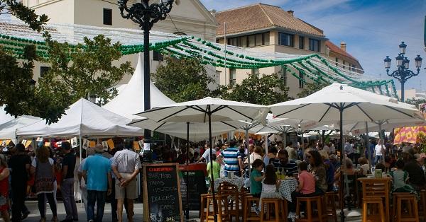 https://mivelezmalaga.com/wp-content/uploads/2019/09/33861bbe-feria-de-san-miguel-plaza-carmelitas.jpg